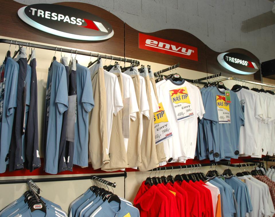 Trespass - vybavení obchodu, design obchodu