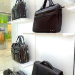 Piquadro - vybavení obchodu, design obchodu